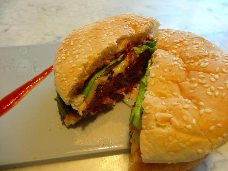 Trio burger 1.JPG