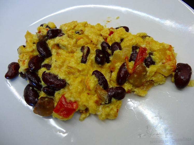 Brouillade d'œufs aux haricots rouges 1.JPG