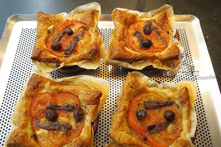 Feuilletés oignons-tomates 1.JPG