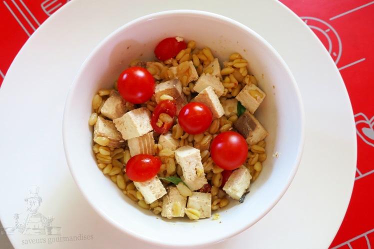 Salade de blé au tomate cerise et fofu