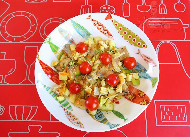 Harengs marinés au pomme, estragon et carottes râpées