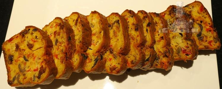 Cake au chorizo, tomates, olives et mozzarella 2