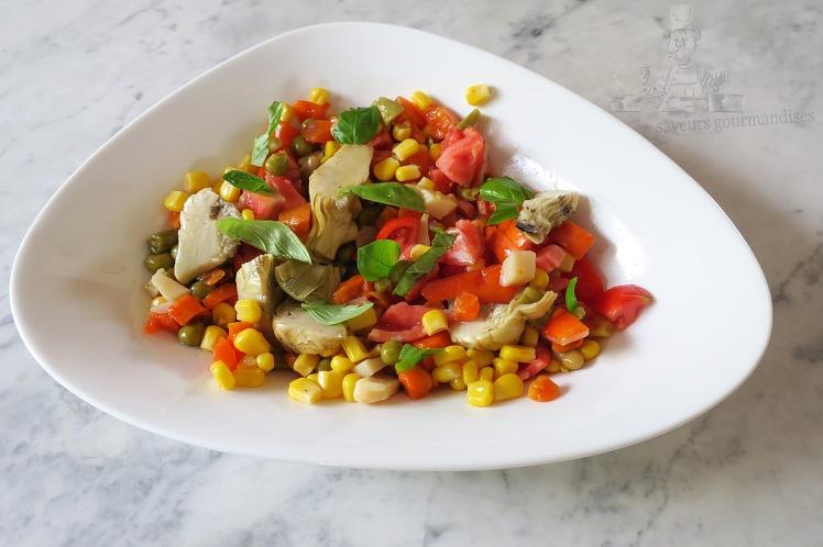 Salade tomate, mais, macédoine, artichaut