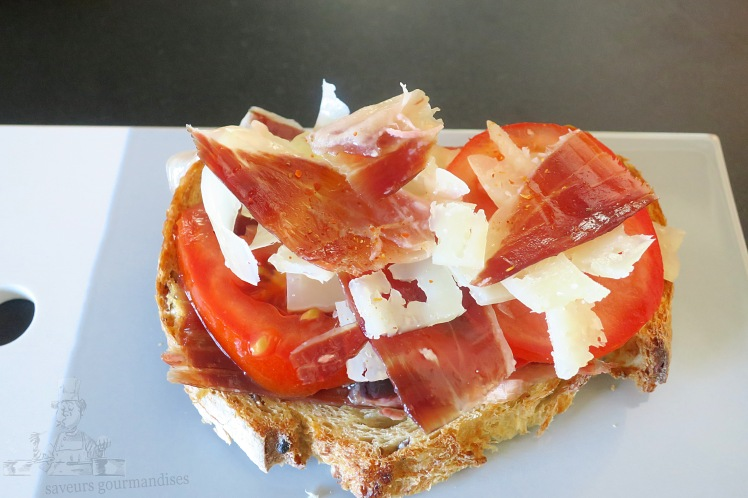 Tartine ibérique (jambon Pata Negra, Manchego, tomate) 2