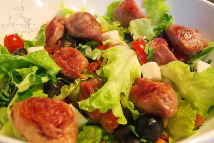 Salade aux sot-ly-laisse, tomates cerises, fromage de chèvre et raisins noirs 2