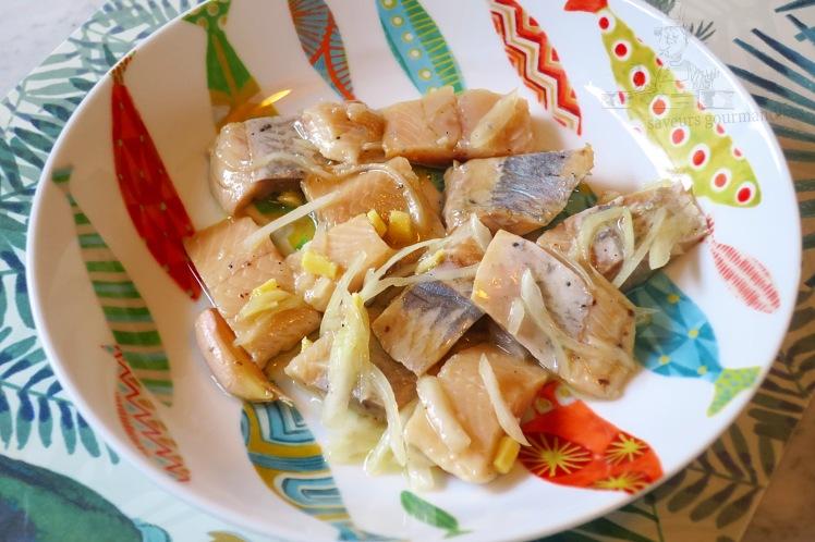 Hareng mariné au gingembre, oignon et poivre de Sichuan 1